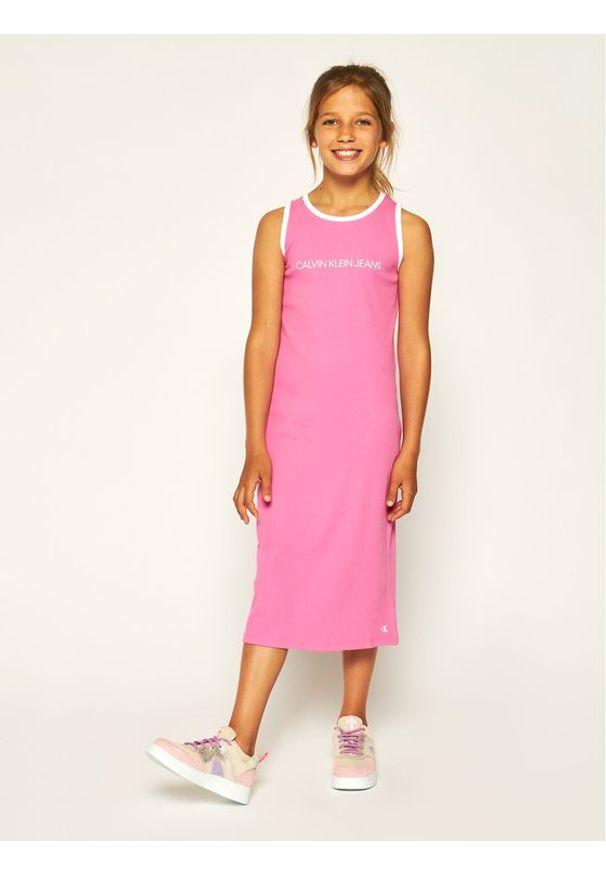 Różowa sukienka Calvin Klein Jeans prosta, casualowa, na co dzień