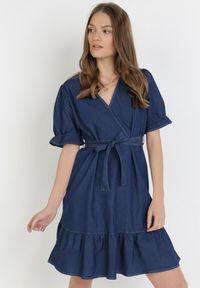 Born2be - Granatowa Sukienka Phisa. Kolor: niebieski. Materiał: tkanina, materiał, jeans. Typ sukienki: kopertowe, sportowe, rozkloszowane. Styl: sportowy. Długość: mini