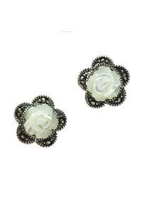 Braccatta - BAROKOWE RÓŻE Srebrne kolczyki róże z markazytami. Materiał: srebrne. Kolor: srebrny, różowy, wielokolorowy. Kamień szlachetny: markazyt