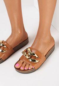 Born2be - Camelowe Klapki Nixishia. Nosek buta: okrągły. Materiał: guma. Styl: klasyczny