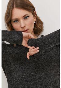 Czarny sweter Vero Moda na co dzień, gładki, casualowy