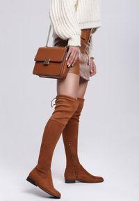 Renee - Camelowe Kozaki Sorry Not Sorry. Wysokość cholewki: przed kolano. Nosek buta: okrągły. Zapięcie: zamek. Szerokość cholewki: normalna. Sezon: jesień, wiosna, zima. Obcas: na obcasie. Wysokość obcasa: niski