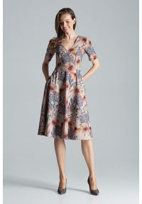 Figl - Rozkloszowana sukienka midi z dekoltem V w kwiaty. Okazja: do pracy, na imprezę. Wzór: kwiaty. Długość: midi #5