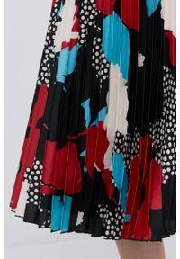 Nissa - NISSA - Sukienka. Materiał: tkanina. Długość rękawa: długi rękaw. Typ sukienki: plisowane, rozkloszowane