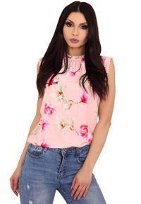 Różowa bluzka Merribel w kwiaty, z falbankami, na lato