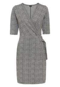 Sukienka żakardowa z aplikacją bonprix czarno-biel wełny w kratę. Kolor: czarny. Materiał: żakard, wełna. Wzór: aplikacja. Typ sukienki: kopertowe