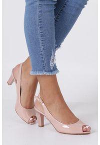 Casu - Różowe sandały lakierowane ze skórzaną wkładką na słupku casu dd19x4/pp. Kolor: różowy. Materiał: lakier, skóra. Sezon: lato. Obcas: na słupku. Styl: elegancki