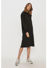 Czarna sukienka Noisy may z długim rękawem, midi