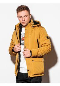 Ombre Clothing - Kurtka męska zimowa C449 - musztardowa - XXL. Typ kołnierza: kołnierzyk stójkowy. Kolor: żółty. Materiał: poliester. Sezon: zima