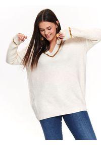 Beżowy sweter TOP SECRET z aplikacjami, na lato, z dekoltem w serek