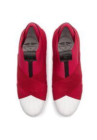 Czerwone buty sportowe Togoshi