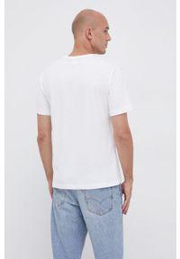 Champion - T-shirt bawełniany. Okazja: na co dzień. Kolor: biały. Materiał: bawełna. Wzór: gładki, aplikacja. Styl: casual