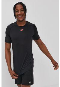 4f - 4F - T-shirt. Kolor: czarny. Materiał: włókno, dzianina. Wzór: gładki