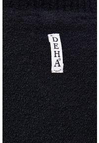 Deha - Sweter z domieszką wełny. Typ kołnierza: golf. Kolor: czarny. Materiał: wełna. Długość rękawa: długi rękaw. Długość: długie. Wzór: ze splotem
