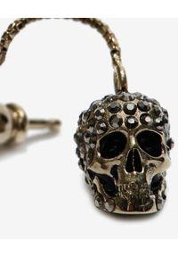 Alexander McQueen - ALEXANDER MCQUEEN - Wiszące kolczyki z czaszkami. Materiał: złote. Kolor: złoty. Wzór: aplikacja. Kamień szlachetny: perła