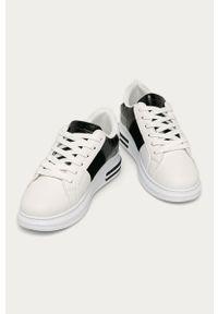 Białe buty sportowe ANSWEAR na sznurówki, z cholewką, z okrągłym noskiem