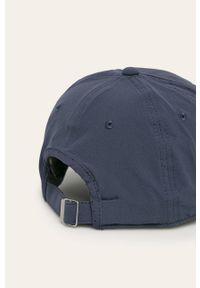 Niebieska czapka z daszkiem columbia