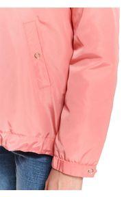 Różowa kurtka TOP SECRET casualowa, w kolorowe wzory, na wiosnę, krótka