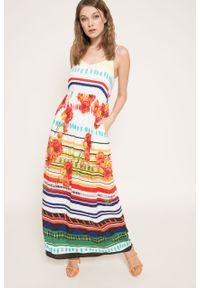 Biała sukienka Desigual rozkloszowana, maxi