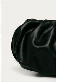 Answear Lab - Torebka. Kolor: czarny. Styl: wakacyjny. Rodzaj torebki: na ramię