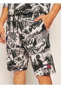 Spodenki sportowe Tommy Jeans z nadrukiem