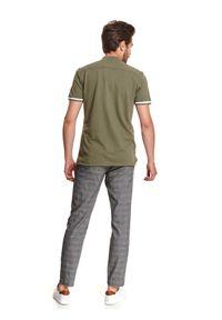 TOP SECRET - Koszula z miękkiej dzianiny. Okazja: do pracy. Typ kołnierza: kołnierzyk stójkowy. Kolor: zielony. Materiał: dzianina. Długość rękawa: krótki rękaw. Długość: krótkie. Sezon: lato. Styl: wakacyjny