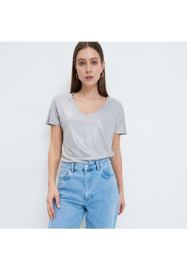 Mohito - Błyszcząca bluzka - Szary. Kolor: szary