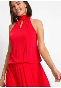 Sukienka z dekoltem halter bonprix truskawkowy. Typ kołnierza: dekolt halter. Kolor: czerwony