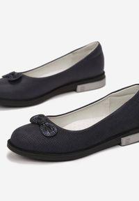 Born2be - Granatowe Balerinki Eireney. Nosek buta: okrągły. Kolor: niebieski. Materiał: jeans, nubuk, syntetyk. Wzór: aplikacja