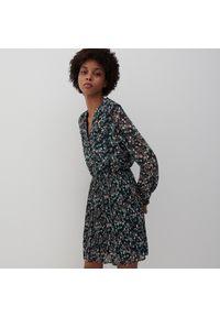 Reserved - Sukienka z drobnym wzorem - Różowy. Kolor: różowy