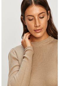 Oliwkowy sweter Vila z okrągłym kołnierzem