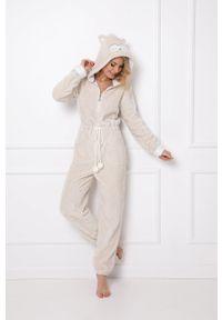 Aruelle - Kombinezon piżamowy Willow. Kolor: beżowy. Długość: krótkie. Wzór: aplikacja
