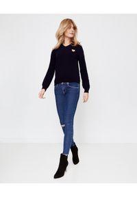 COMME DES GARCONS PLAY - Wełniany sweter ze złotym sercem. Typ kołnierza: dekolt w kształcie V. Kolor: niebieski. Materiał: wełna. Styl: klasyczny, elegancki #3