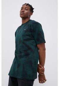 Vans - T-shirt bawełniany. Okazja: na co dzień. Kolor: czarny. Materiał: bawełna. Wzór: aplikacja. Styl: casual