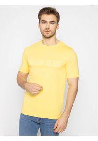 Żółty t-shirt Calvin Klein Performance z nadrukiem