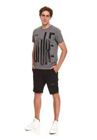 TOP SECRET - T-shirt z nadrukiem. Kolor: szary. Materiał: bawełna, tkanina. Długość rękawa: krótki rękaw. Długość: krótkie. Wzór: nadruk. Sezon: jesień. Styl: klasyczny