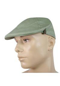 Zielona czapka na wiosnę