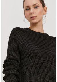 Vero Moda - Sweter. Okazja: na co dzień. Kolor: czarny. Materiał: włókno, materiał. Długość rękawa: raglanowy rękaw. Styl: casual