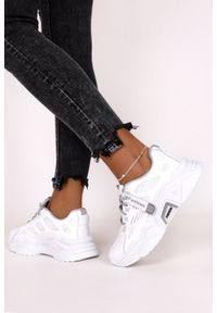 Casu - Białe sneakersy na platformie buty sportowe sznurowane casu 21f1/wgy. Kolor: biały, wielokolorowy, szary. Obcas: na platformie