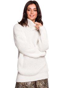 MOE - Biały Oversizowy Sweter-Tunika z Golfem. Typ kołnierza: golf. Kolor: biały. Materiał: wełna, poliester