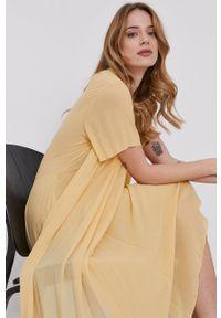 Samsoe & Samsoe - Samsoe Samsoe - Sukienka. Kolor: żółty. Materiał: poliester. Długość rękawa: krótki rękaw. Typ sukienki: plisowane #2