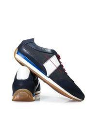 Faber - Granatowe obuwie sportowe T134. Kolor: niebieski. Materiał: skóra. Styl: sportowy