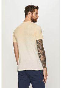 Żółty t-shirt Jack & Jones casualowy, z nadrukiem