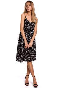 e-margeritka - Sukienka rozkloszowana midi na ramiączkach - l. Materiał: tkanina, wiskoza, materiał. Długość rękawa: na ramiączkach. Wzór: kwiaty. Typ sukienki: rozkloszowane. Długość: midi