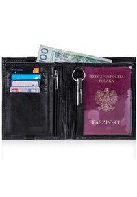 Solier - Skórzany portfel męski na paszport SOLIER SW07 czarny. Kolor: czarny. Materiał: skóra