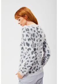 Szary sweter MOODO z klasycznym kołnierzykiem, z motywem zwierzęcym, z długim rękawem