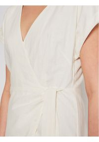 Pepe Jeans Sukienka letnia Lolita PL952842 Biały Regular Fit. Kolor: biały. Sezon: lato