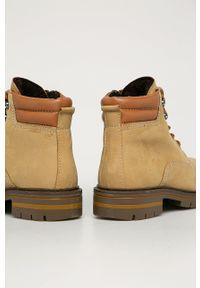 Marco Tozzi - Workery zamszowe. Nosek buta: okrągły. Zapięcie: sznurówki. Kolor: brązowy. Materiał: zamsz