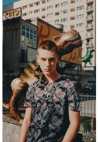 medicine - Medicine - T-shirt by Alek Morawski. Kolor: czarny. Materiał: dzianina