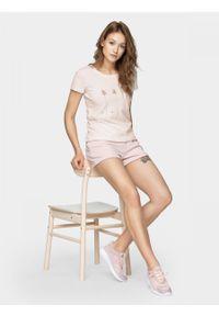 Różowy t-shirt outhorn z krótkim rękawem